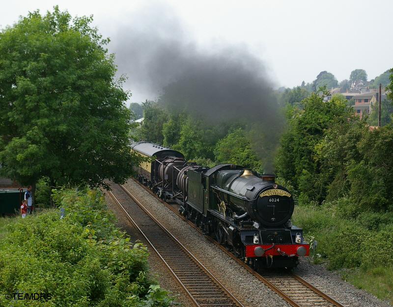 6024 leaving High Wycombe (Tim Edmonds)